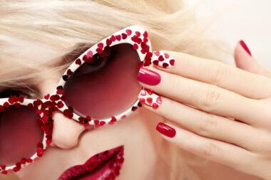 Las uñas semipermanentes pueden duran más tiempo del previsto cuando se llevan a cabo algunas claves para su cuidado